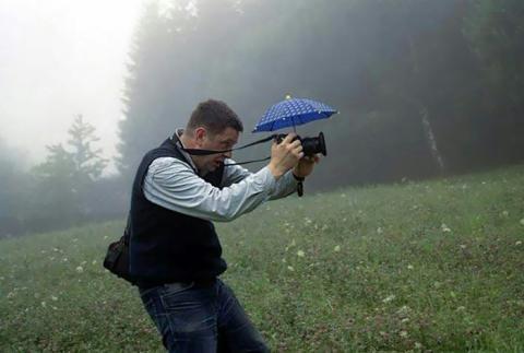 Photo of در هوای بارانی چگونه از دوربین خود محافظت کنید